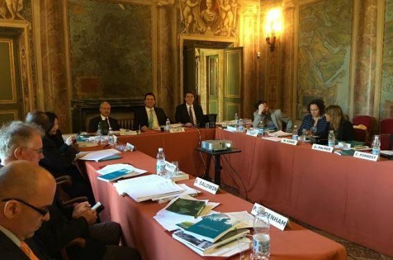 Presidiendo el Grupo de Trabajo de Inversiones – Unidroit