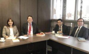 Asesor de reformas de leyes de contratos internacionales en Guatemala, Colombia, etc.
